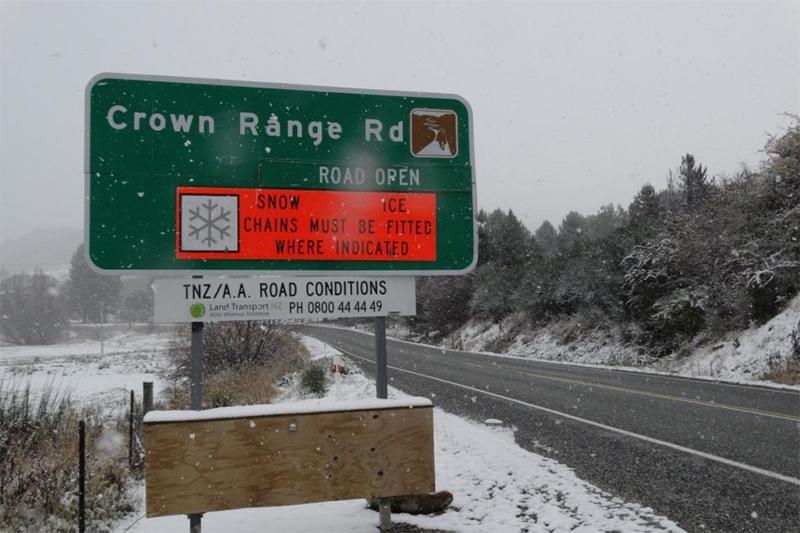 RoadsignChainsOtago.jpg#asset:6010
