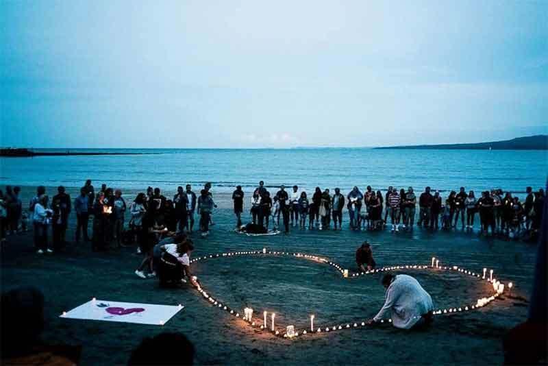 beach-vigil.jpg#asset:7717