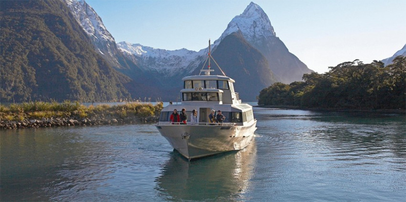 milford-sound-guided-cruise.jpg#asset:6258