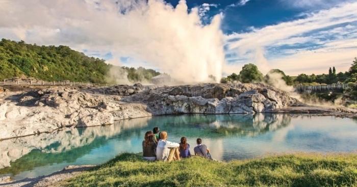 rotorua-geyser-1.jpg#asset:8090